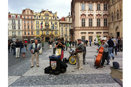 A jazz band entertains in Prague